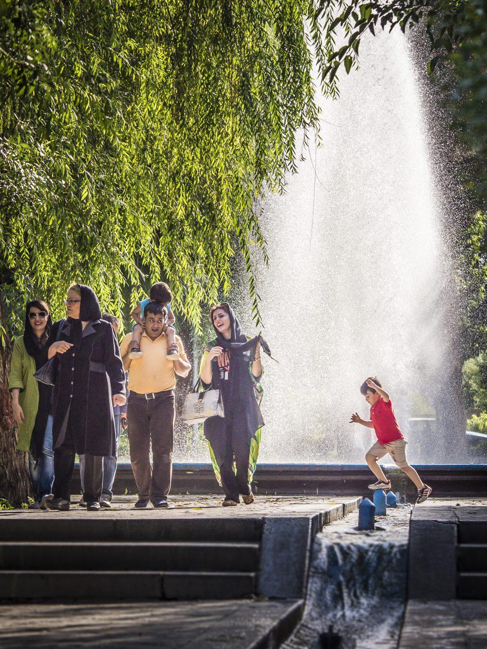 Iran, Isfahan, Brunnen am Eingang zum Meidān-e Emām-Platz, Asien, 18.07.2014