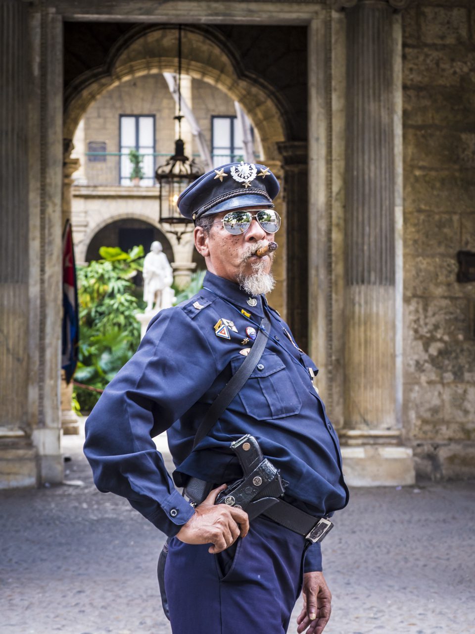 Fake-Polizist in Havanna