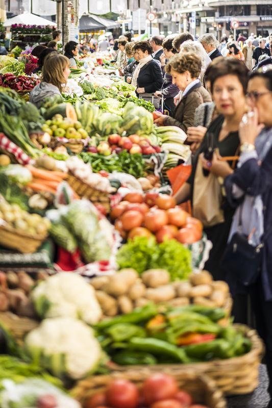 Markt am Centro Comercial La Bretxa